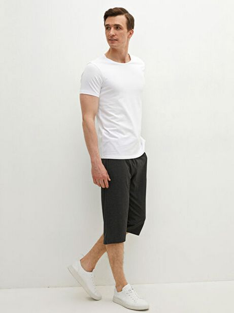 Оферта на LCW BASIC стандартно мъжки къси панталони за 9,99 лв.